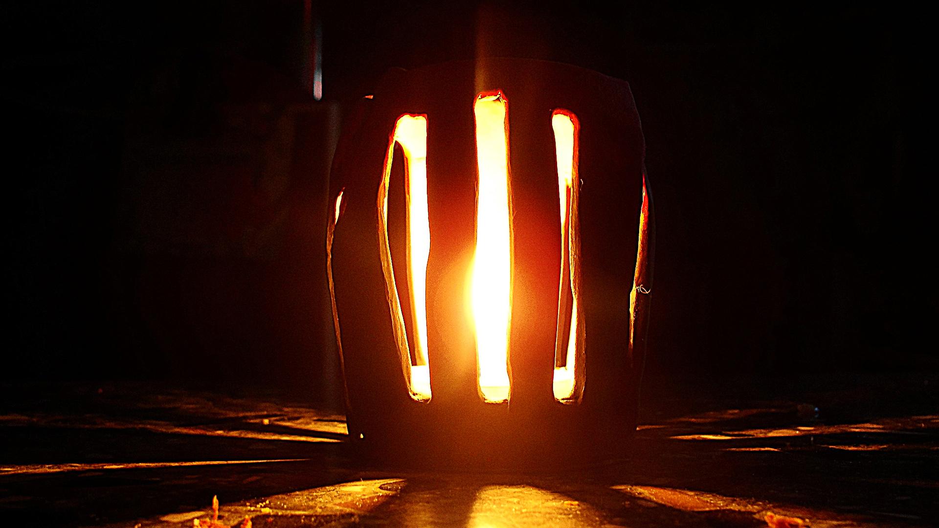 Светильник со свечой