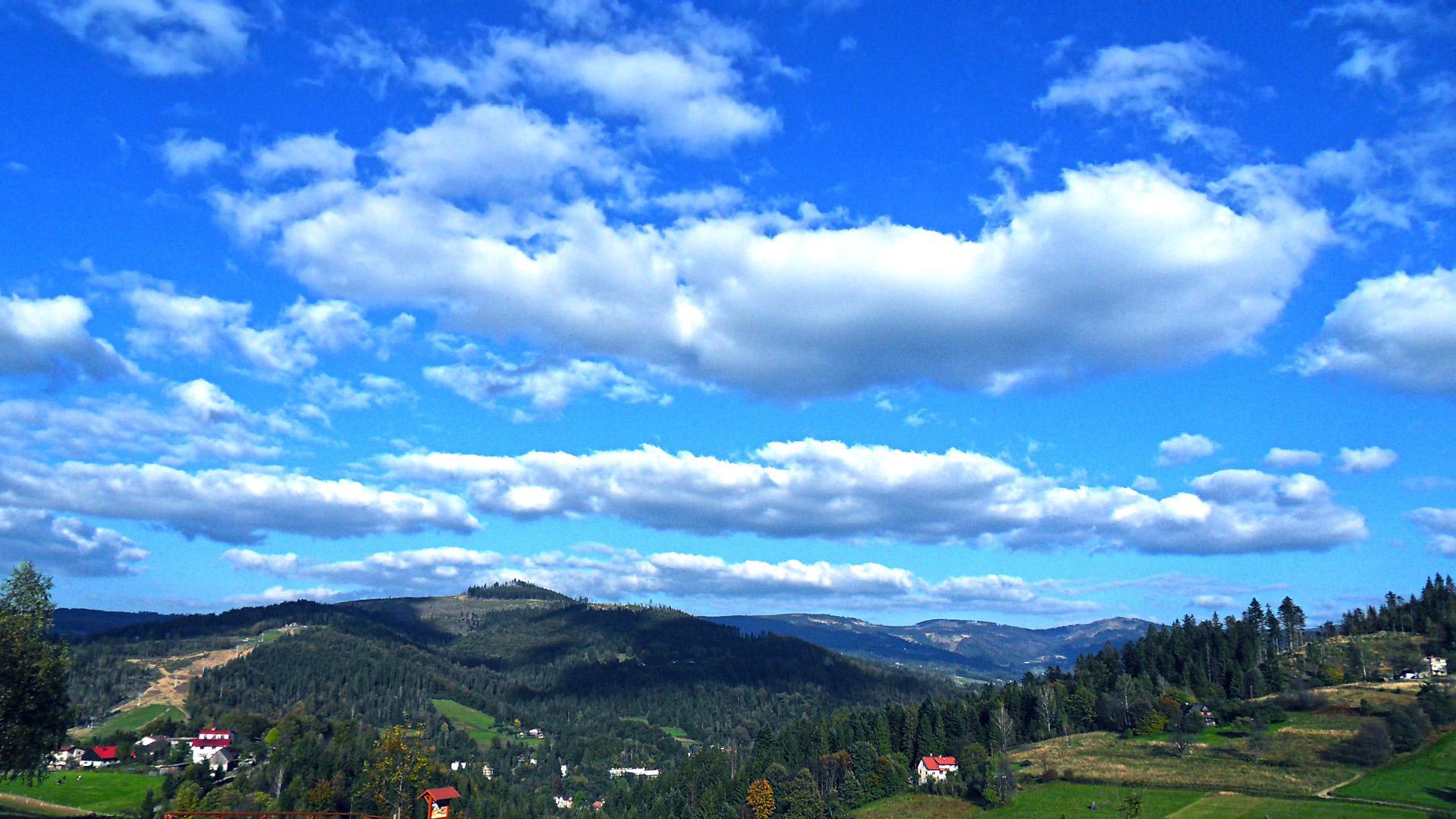 Деревня на холмах