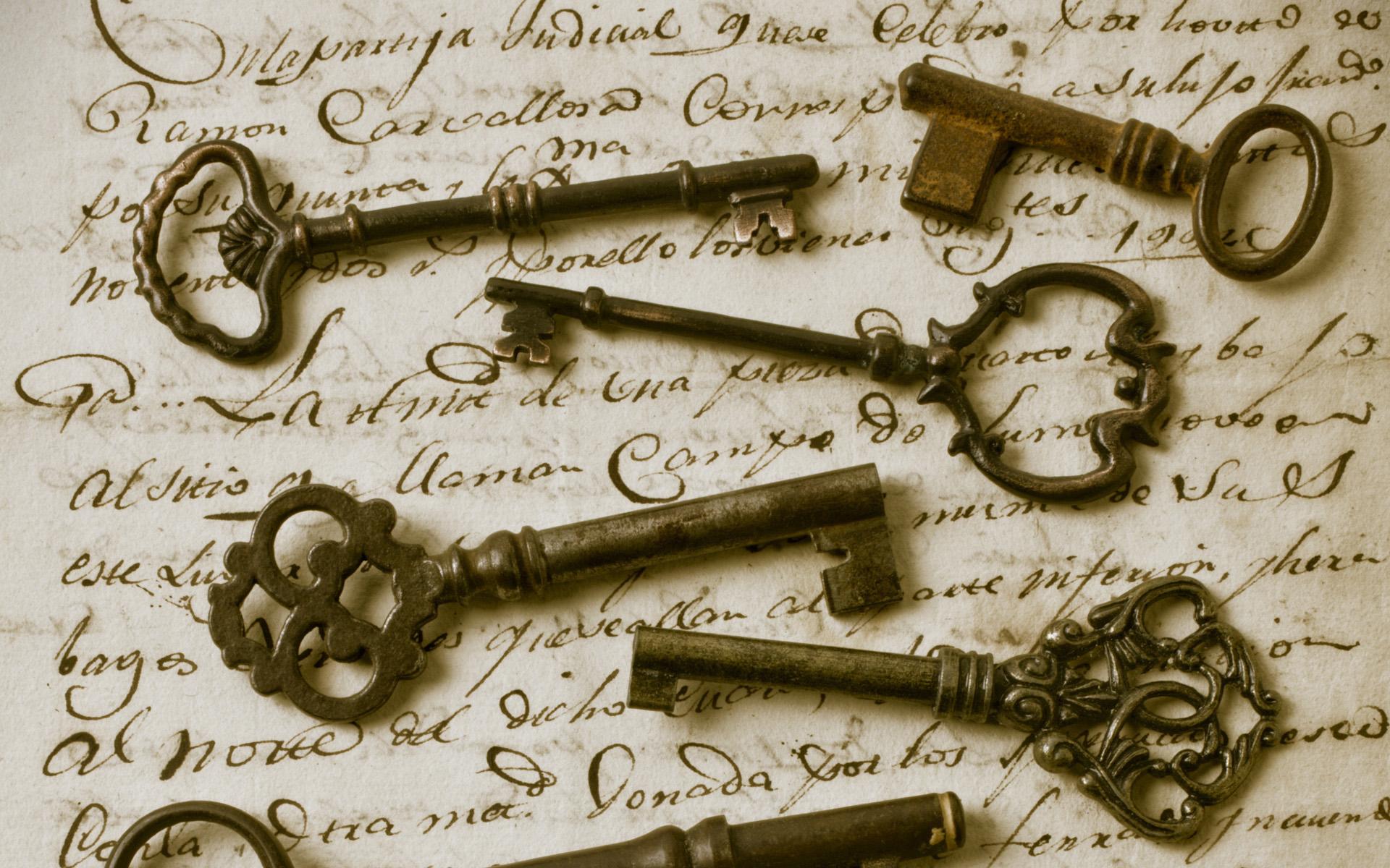 Старинные антикварные ключи
