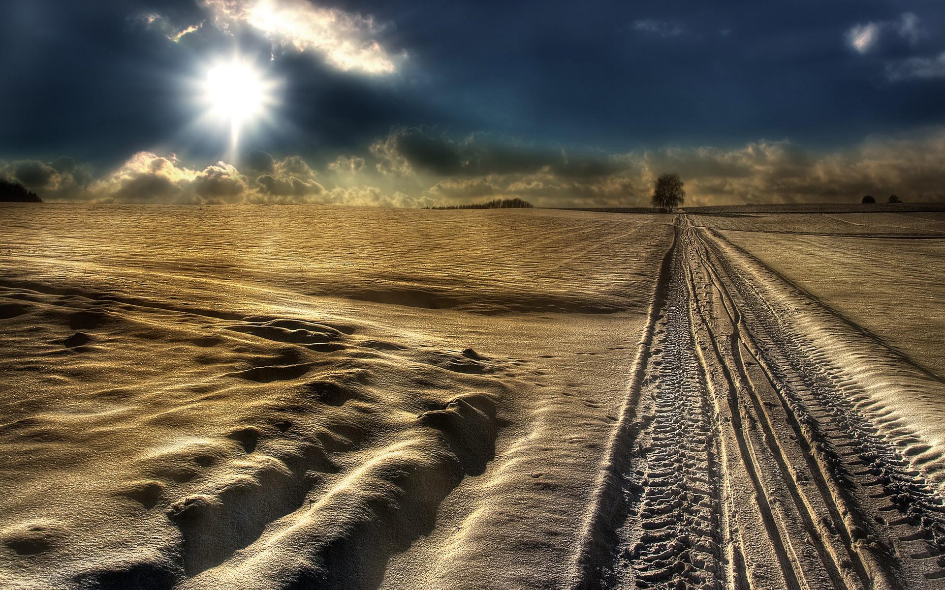 Мороз и солнце - поле и дорога