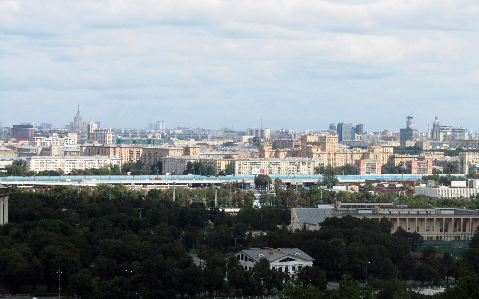 А за окном - Москва