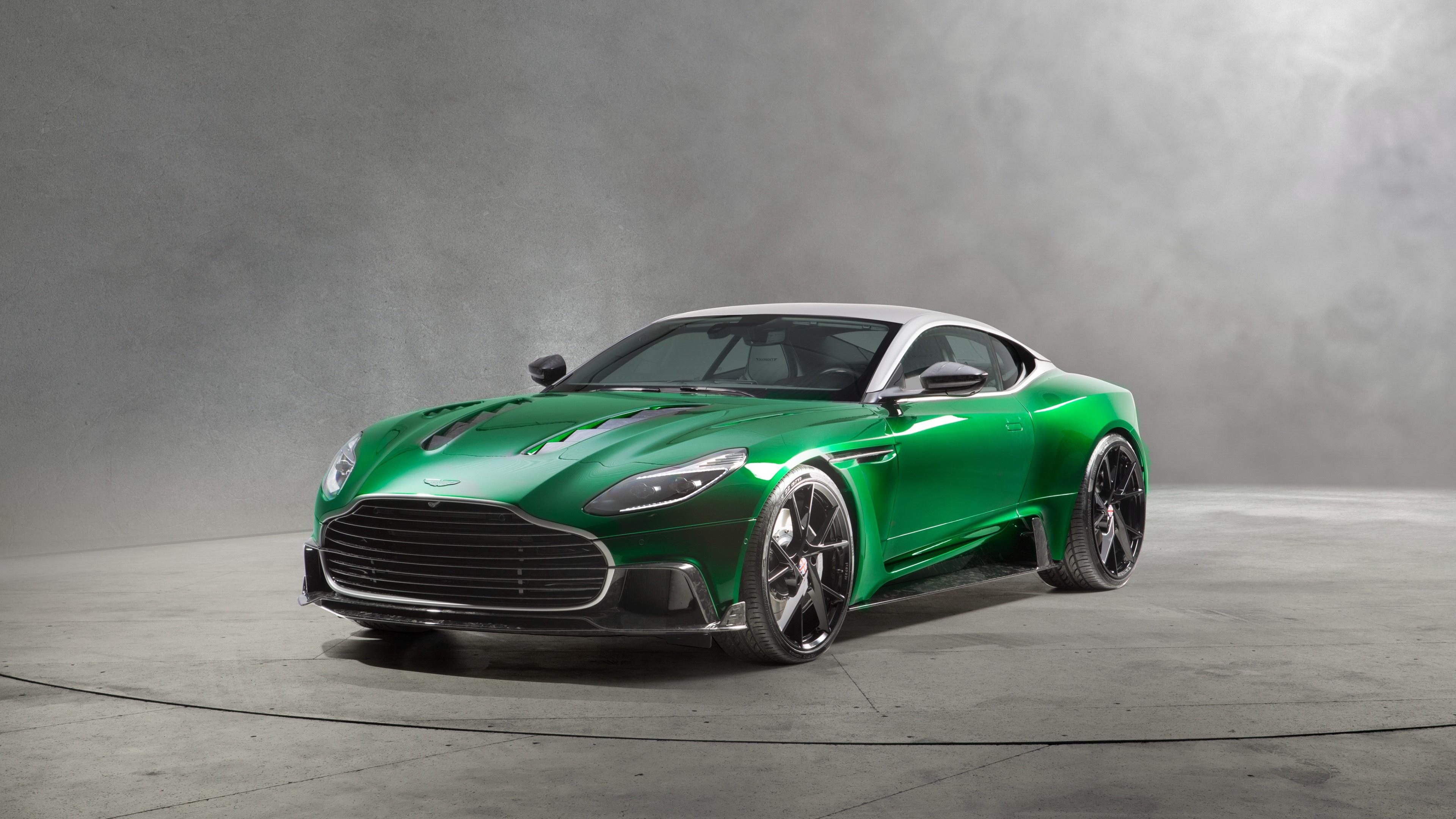 Зеленый Aston Martin