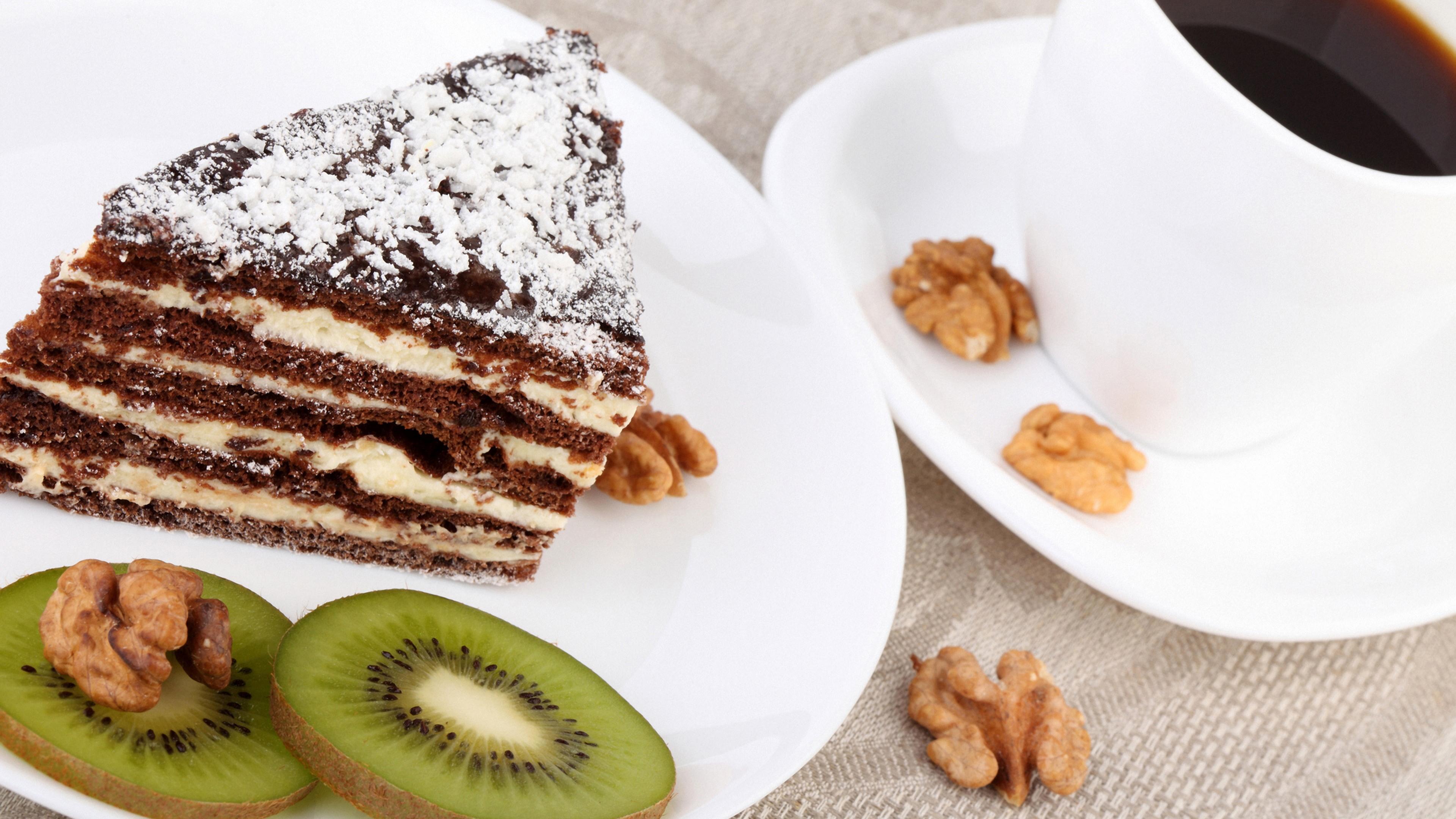 Пирожное с орехами