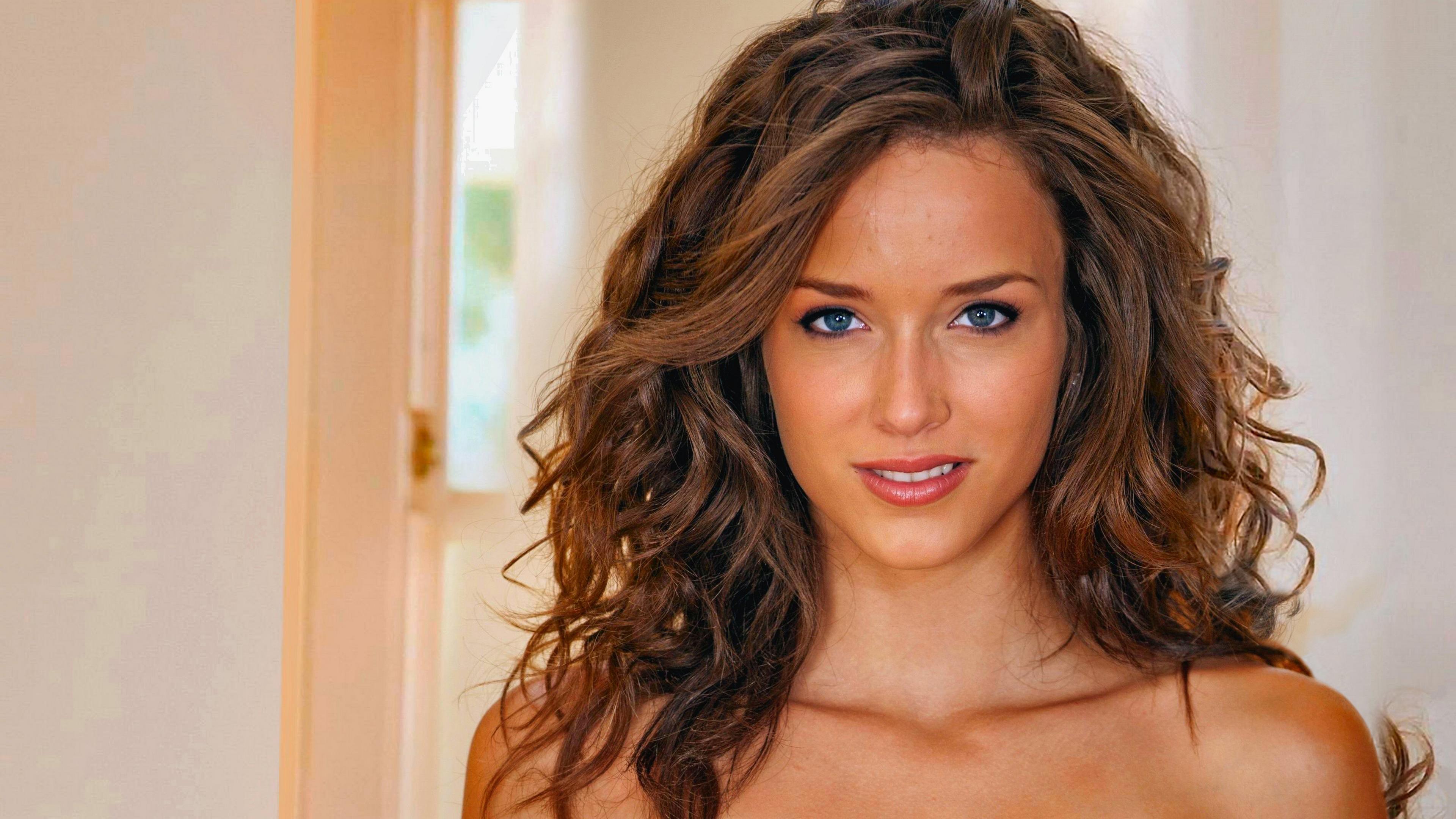 Красивая актриса
