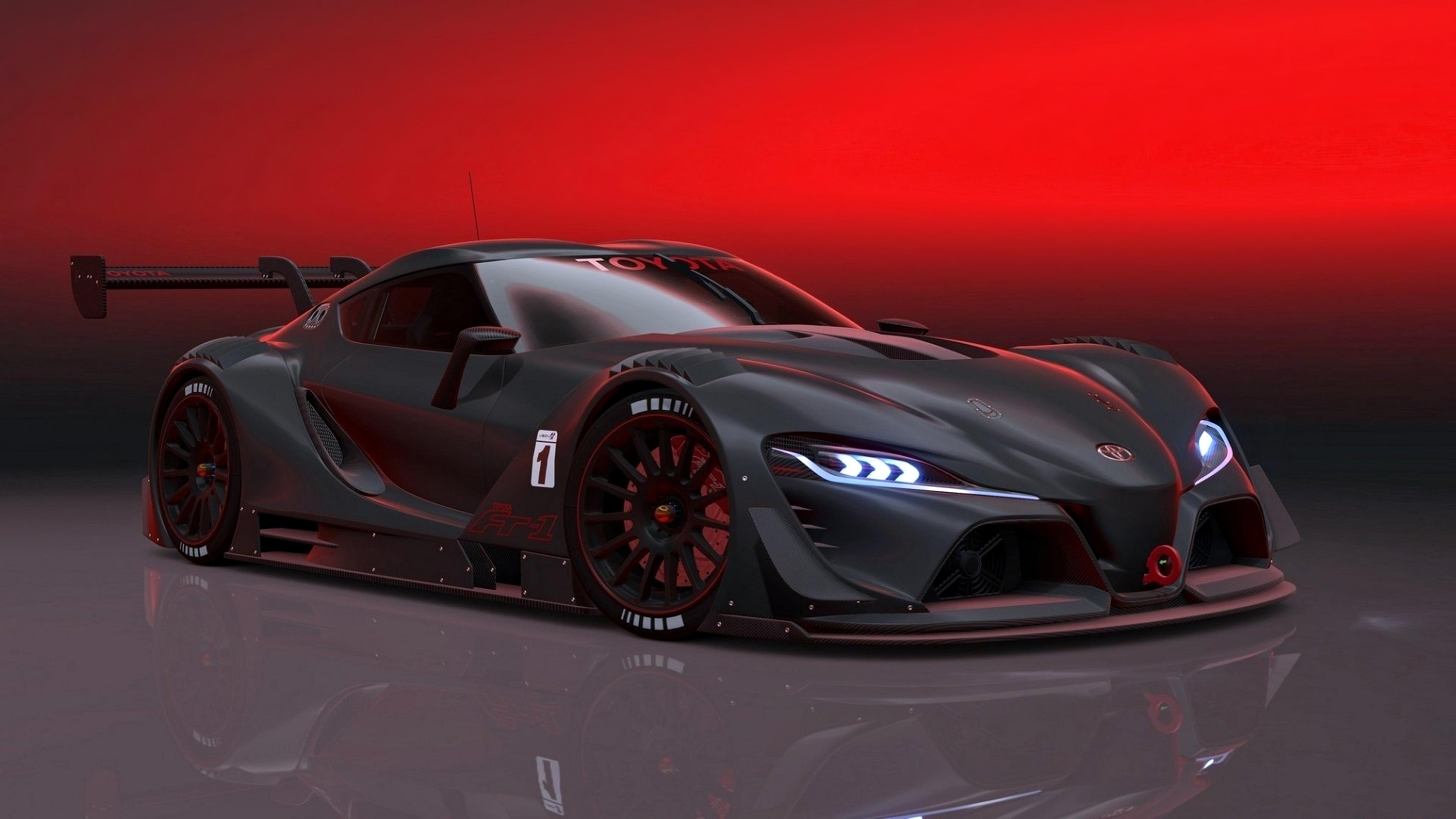 Гоночный черный автомобиль