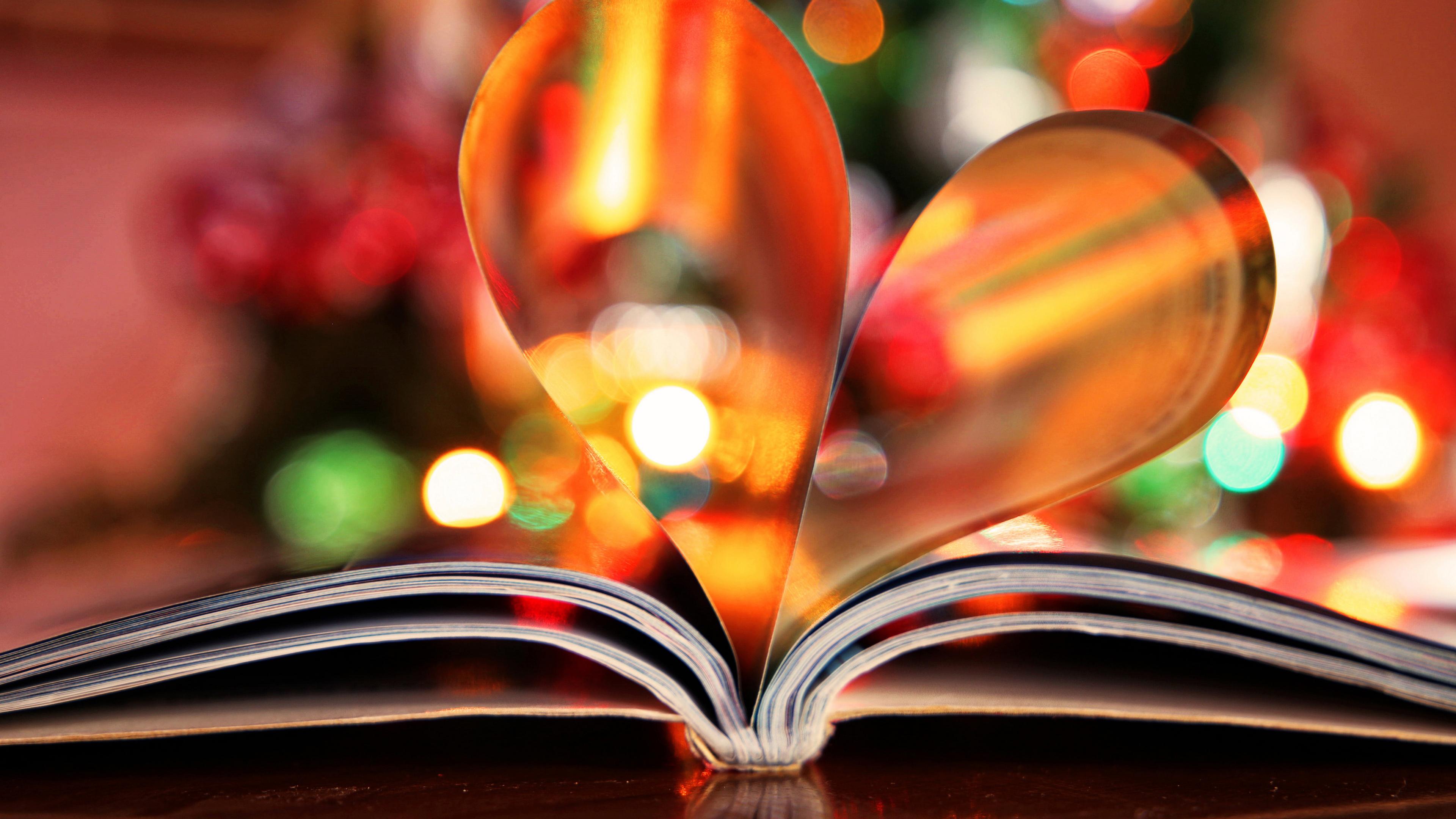 Книга с сердечком