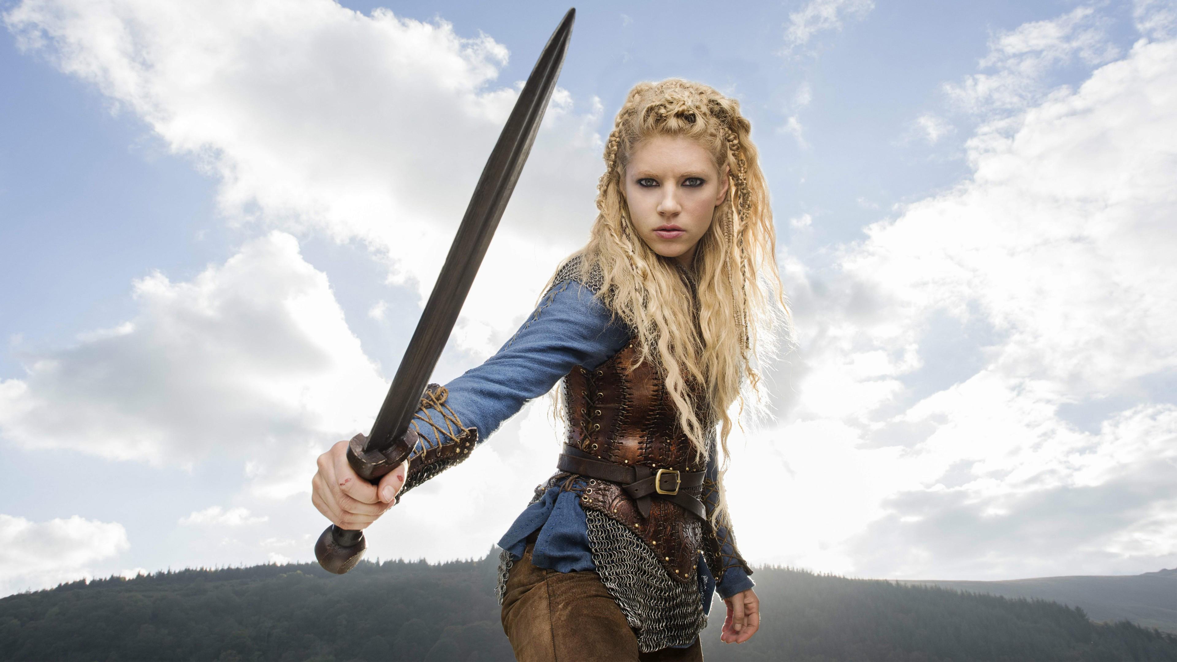 Девушка-воин