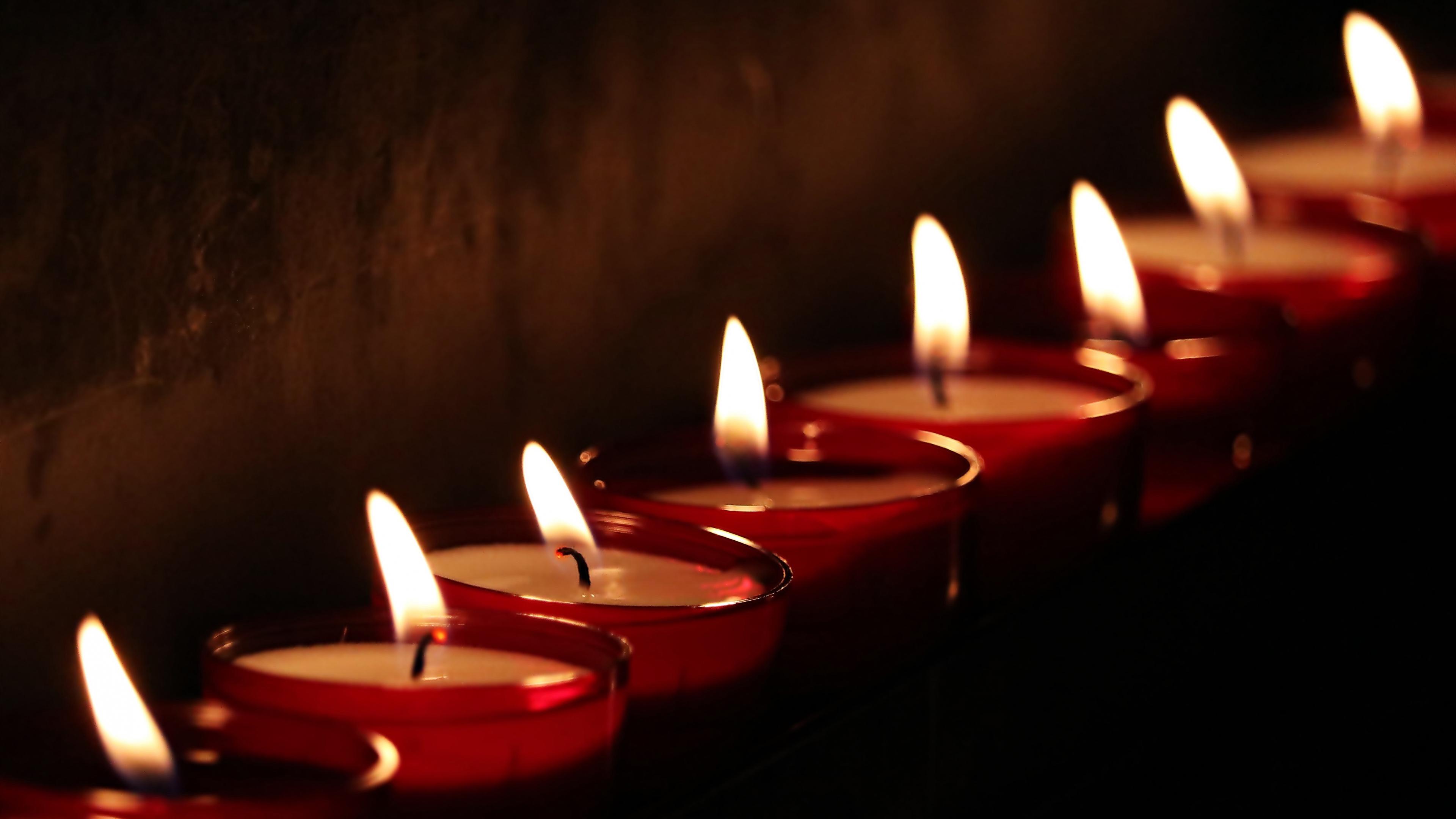 Пламя свечей