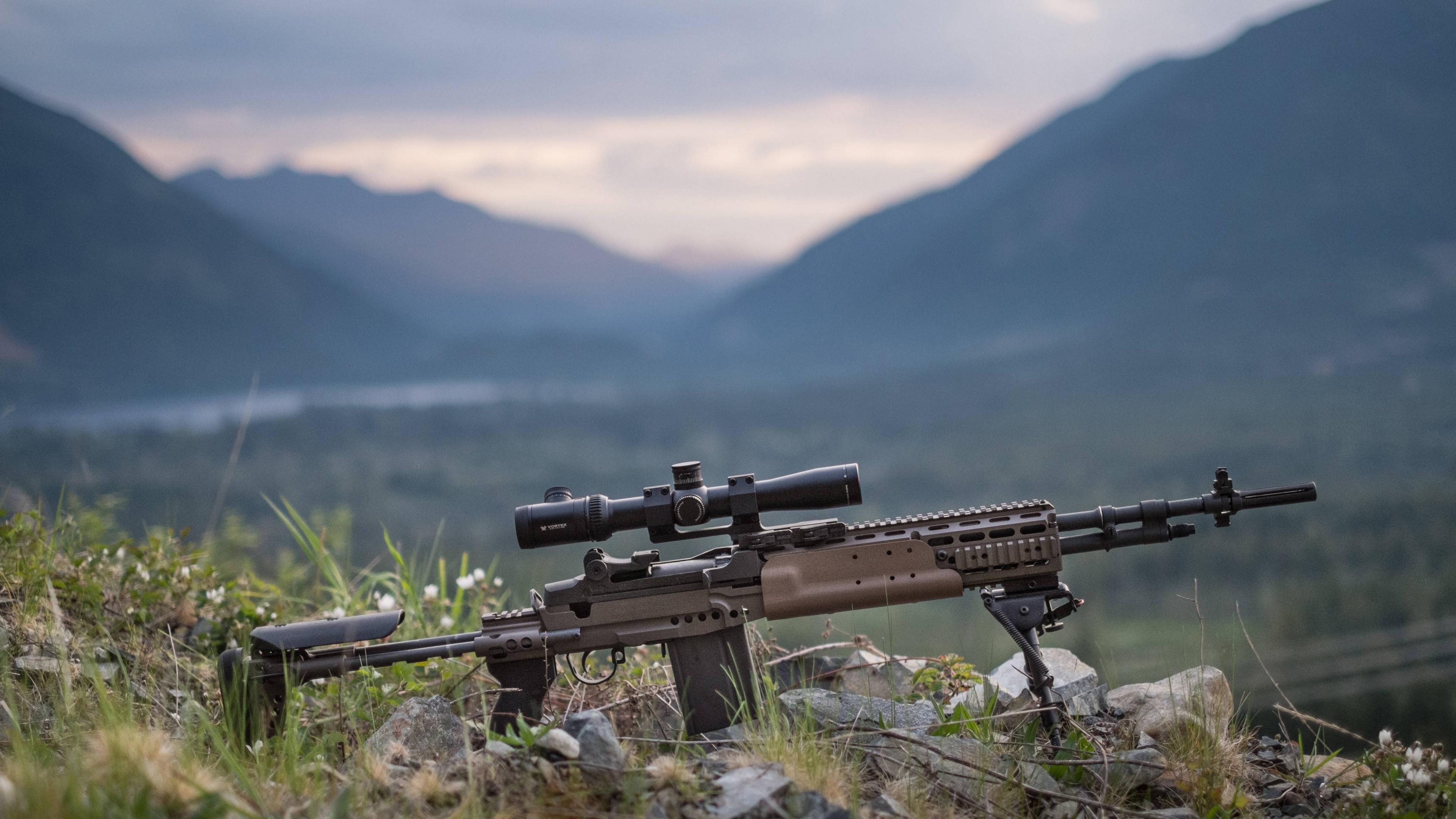 Охотничий карабин в горах