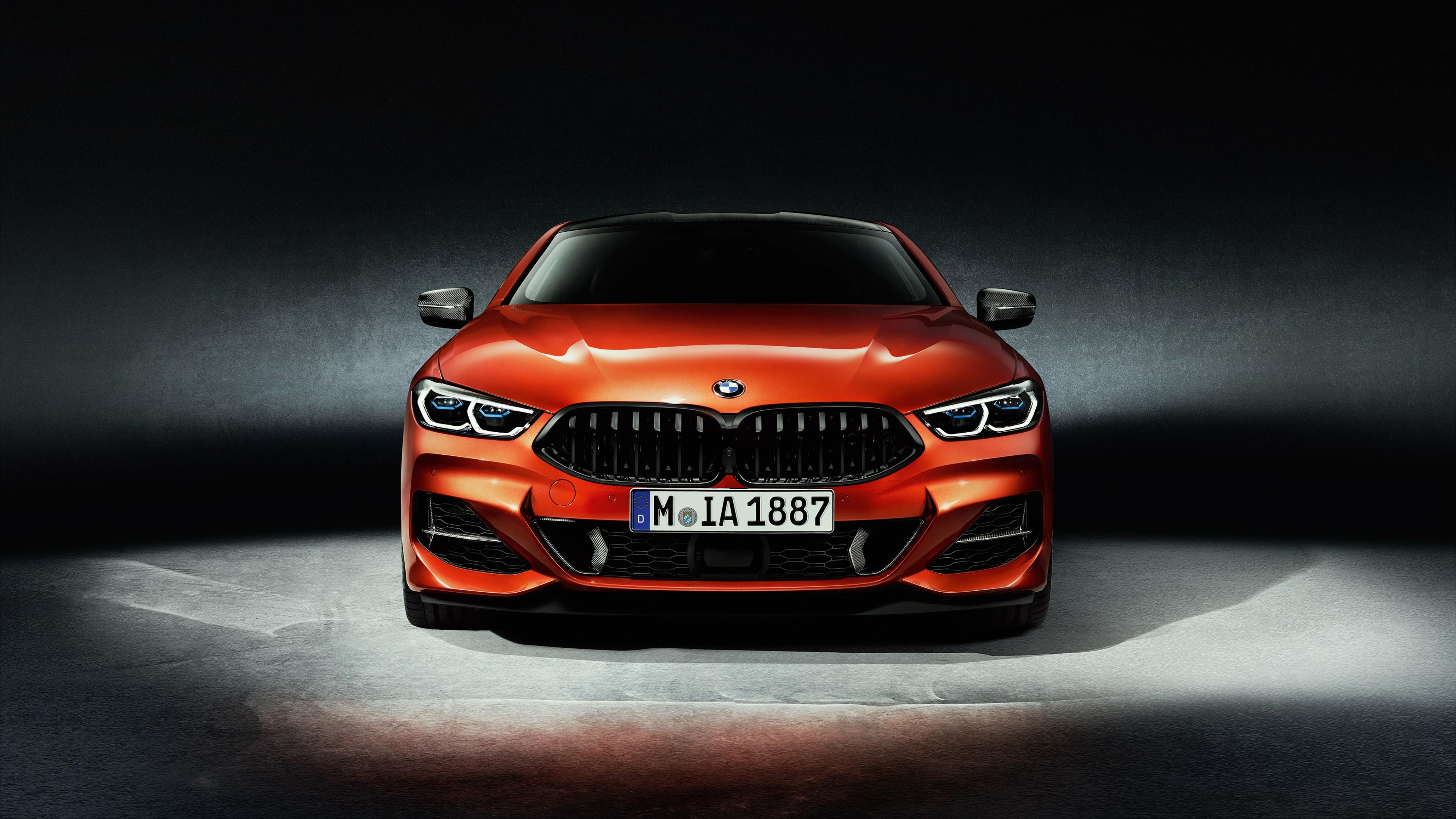 Красный спортивный,стильный,элегантный автомобиль BMW8
