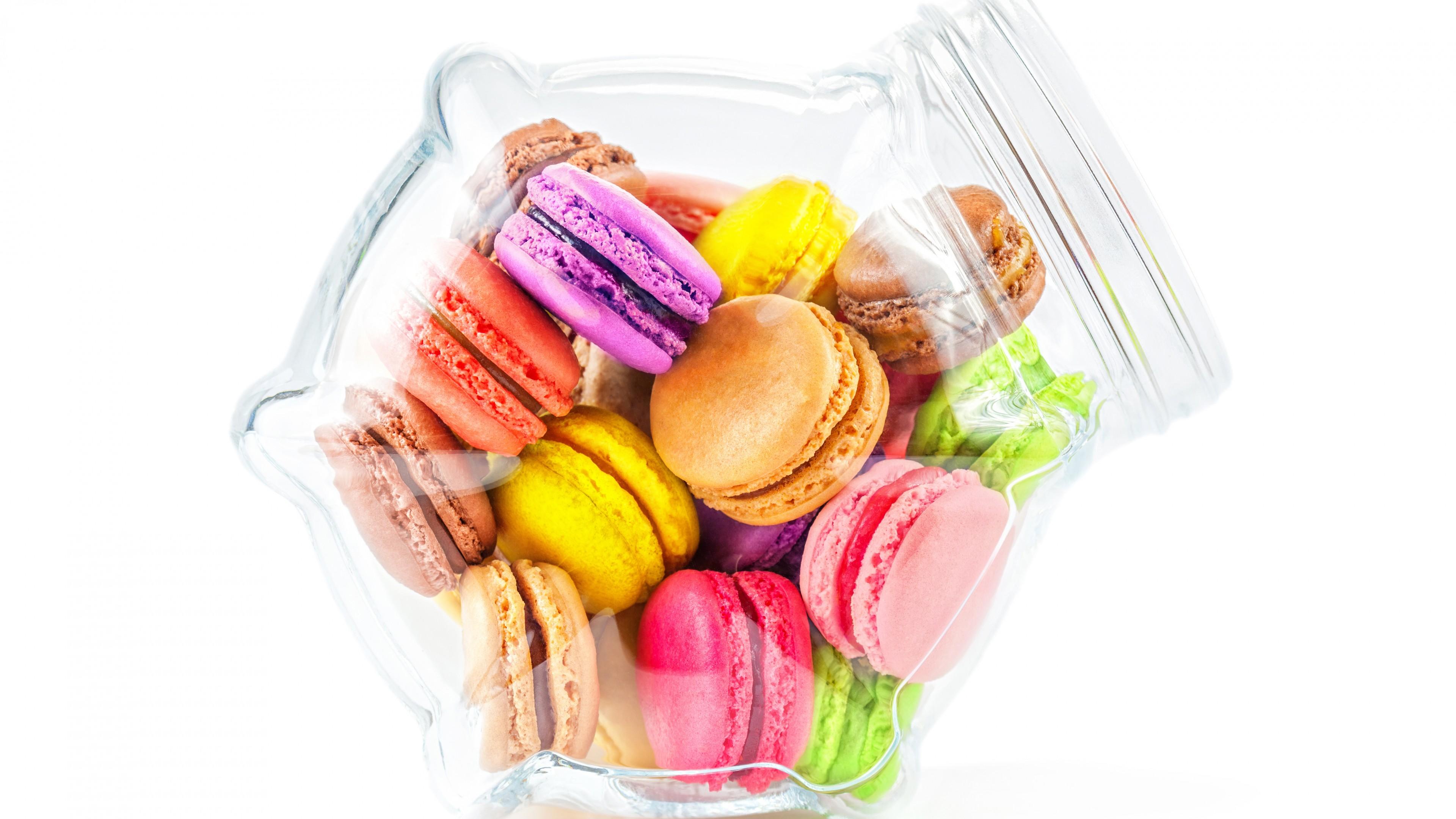 Разноцветные ,воздушные ,нежные,аппетитные пирожные